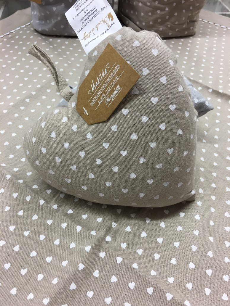 Cuoricino in stoffa beige grande 19x19cm j 39 aime boutique - Pasqualetti home decor ...